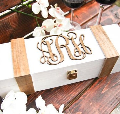 personalized-wine-box-monogram-wood-engraved-wedding-box-couple-in-love-wine-ceremony-anniversary-shabby-chic-rustic-wedding-engagement